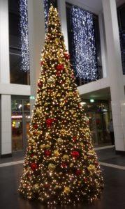 2020年ドイツのクリスマスの飾り 駅